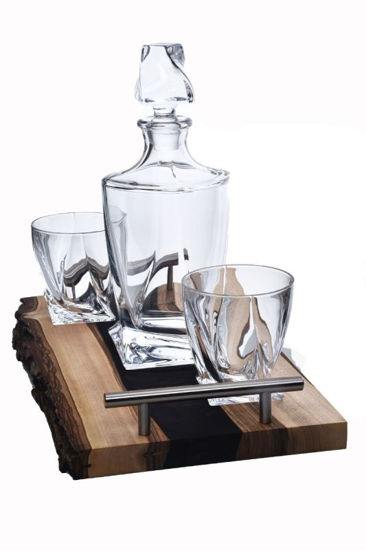 Walnut and Dark Resin Tray combined with Quadro Decanter Set